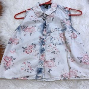 Floral crop button up
